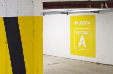 vestizione e segnaletica parcheggio