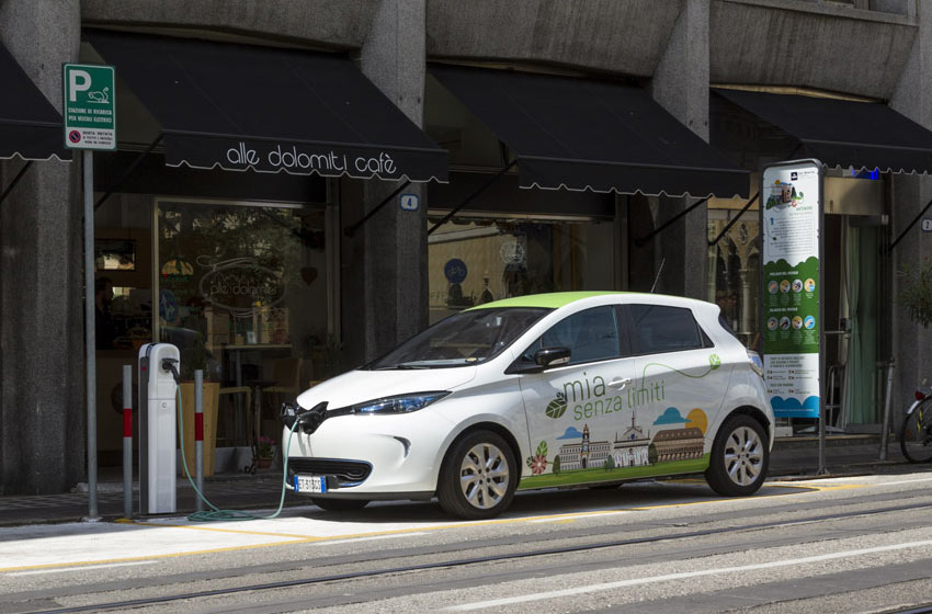 Livrea Zoe elettrica car sharing