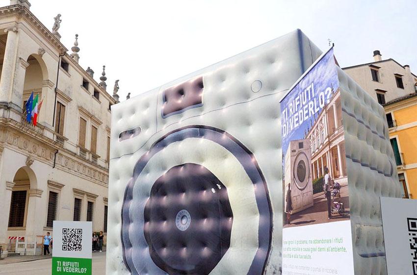 lavatrice gonfiabile campagna abbandono rifiuti AIM