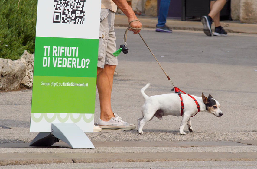 Guerrilla marketing campagna abbandono rifiuti AIM